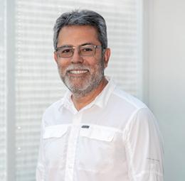 Dr. Kamran Minaian